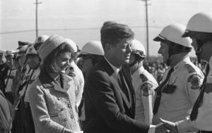 JFK-And-Jackie-Kennedy-Leaving-Carswell-AFB-In-Fort-Worth-Texas-11-22-63 (1)