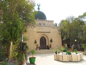 Aly_Khan_mausoleum_in_Salamiyah_1