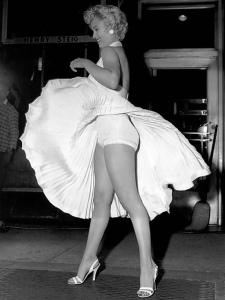 Marilyn_Monroe-upskirt