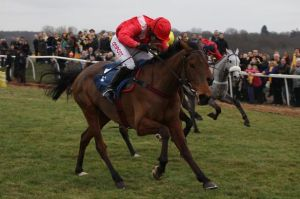 Noel-Fehily-Jockey-Richard-Rowe-Trainer-Aikideau-Racehorse-Kempton-Racecourse-Horse-Racing-Tips-Selections-News-Reviews.1